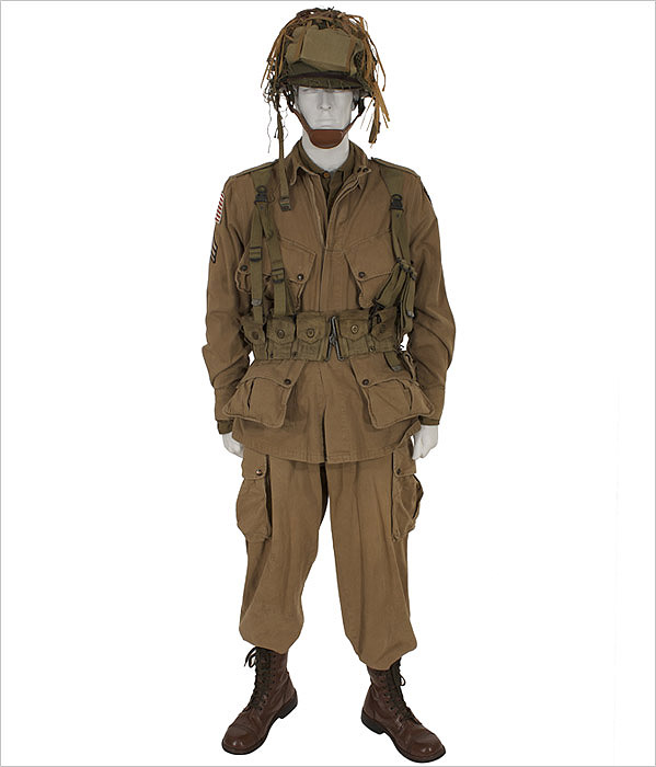 American D Day Paratrooper Eastern Costume A Motion